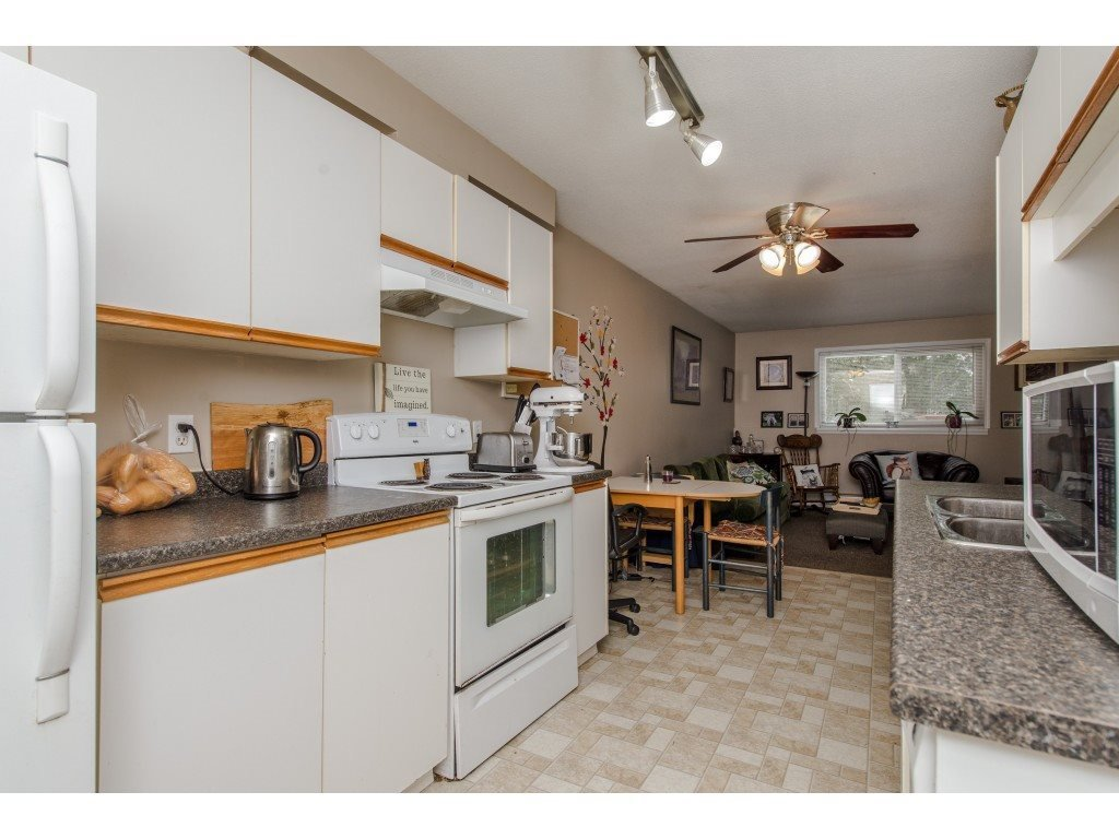 "Photo 11: Photos: 111 7694 EVANS Road in Sardis: Sardis West Vedder Rd Condo for sale in ""Creekside Estates"" : MLS®# R2398224"