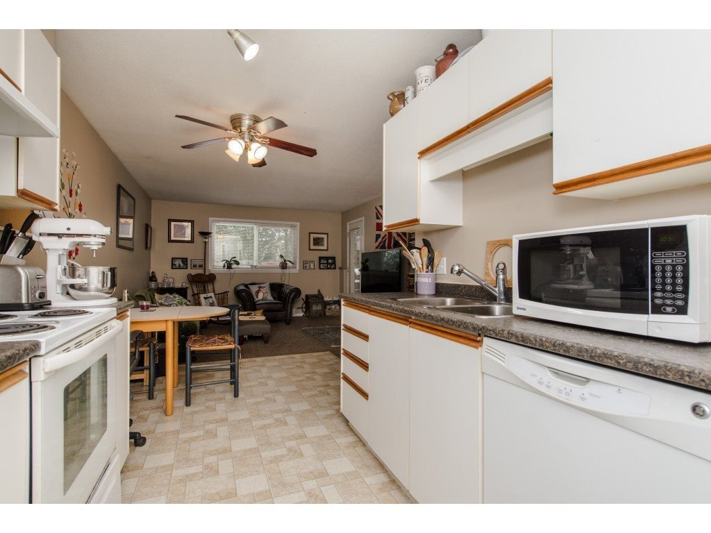 "Photo 12: Photos: 111 7694 EVANS Road in Sardis: Sardis West Vedder Rd Condo for sale in ""Creekside Estates"" : MLS®# R2398224"