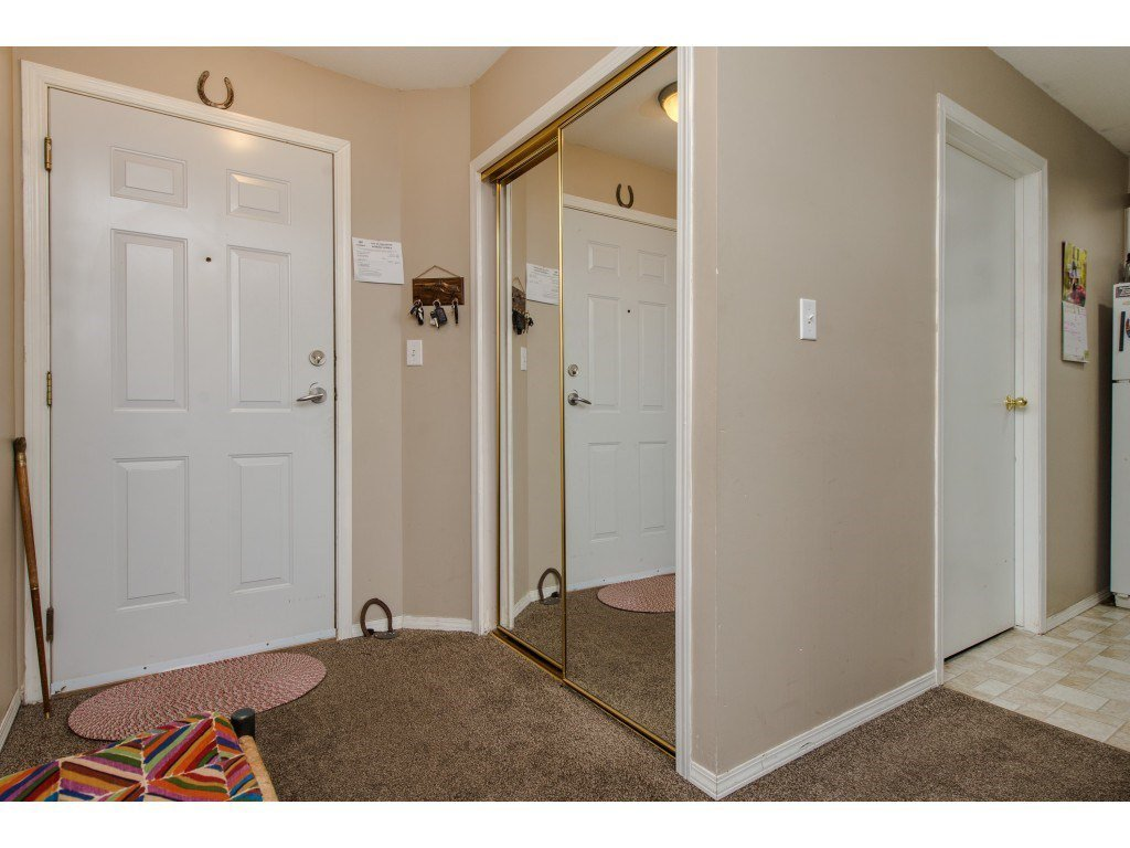 "Photo 2: Photos: 111 7694 EVANS Road in Sardis: Sardis West Vedder Rd Condo for sale in ""Creekside Estates"" : MLS®# R2398224"