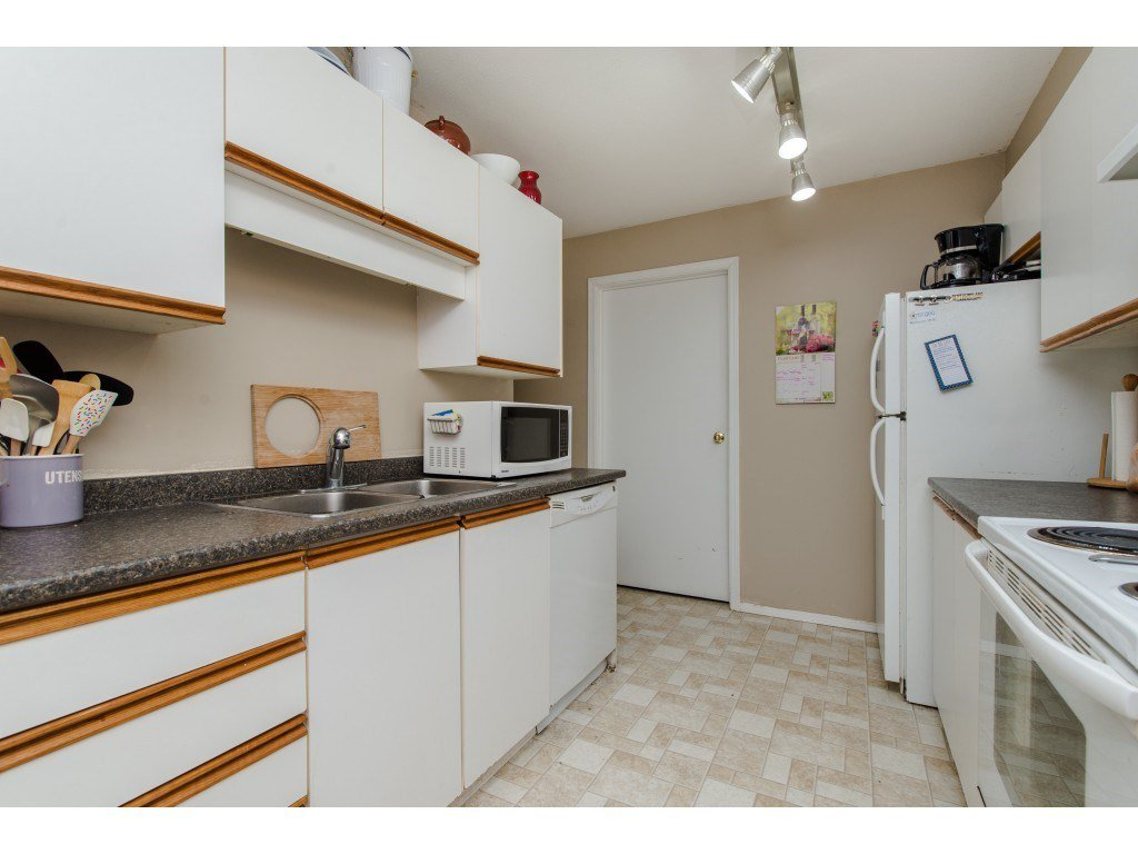 "Photo 10: Photos: 111 7694 EVANS Road in Sardis: Sardis West Vedder Rd Condo for sale in ""Creekside Estates"" : MLS®# R2398224"