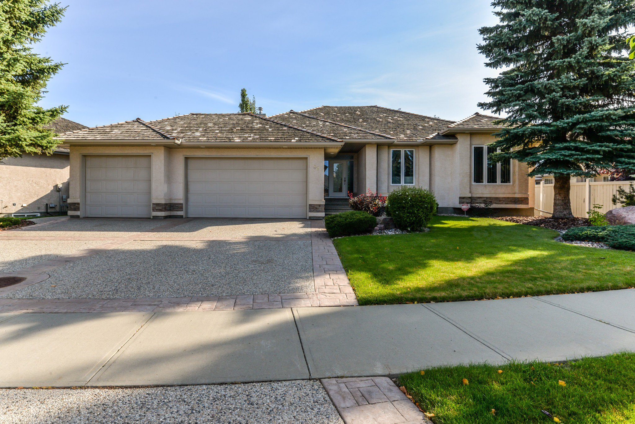 Main Photo: 82 Kingsbury Crescent NW in St. Albert: Kingswood House for sale