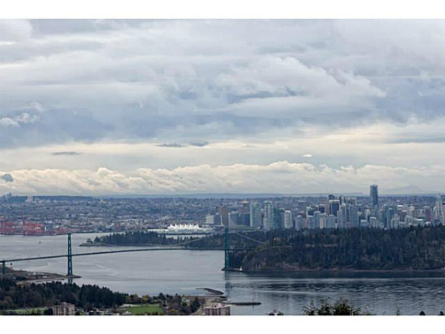 Main Photo: # 116 2274 FOLKESTONE WY in West Vancouver: Panorama Village Condo for sale : MLS®# V987054