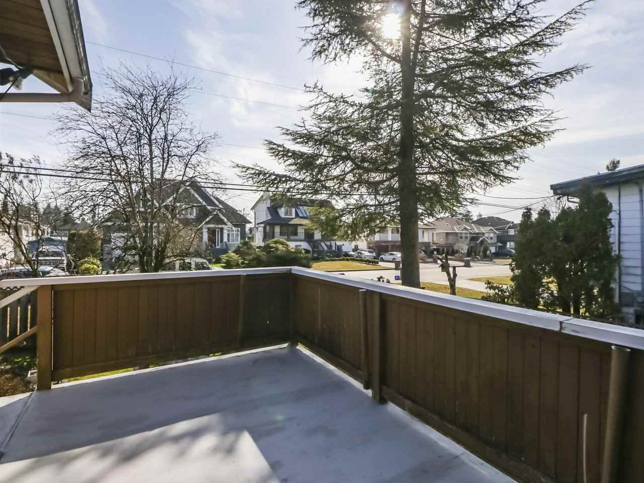 Photo 10: Photos: 730 SCHOOLHOUSE Street in Coquitlam: Central Coquitlam House for sale : MLS®# R2446516