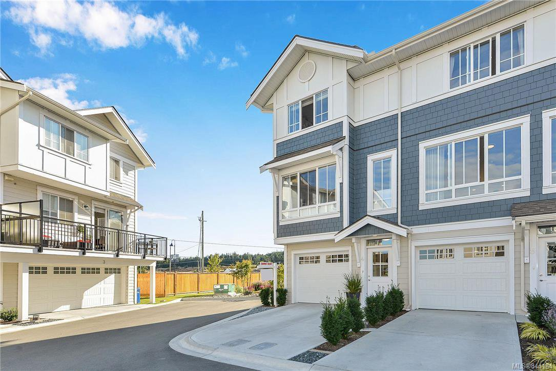 Main Photo: 4 370 Latoria Blvd in Colwood: Co Royal Bay Row/Townhouse for sale : MLS®# 844184