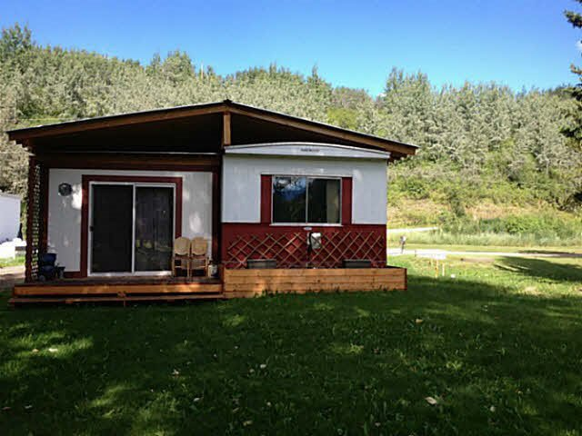 """Main Photo: 21 9265 GEORGE FRONTAGE Road: Telkwa Manufactured Home for sale in """"Bulkley Field & Stream Mobile Home Park"""" (Smithers And Area (Zone 54))  : MLS®# R2518075"""