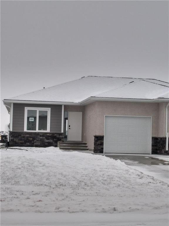 Main Photo: 168 HARMONY Lane in Steinbach: R16 Residential for sale : MLS®# 202028550