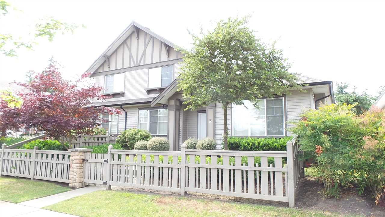 Main Photo: 5 15868 85 AVENUE in Surrey: Fleetwood Tynehead Townhouse for sale : MLS®# R2075002