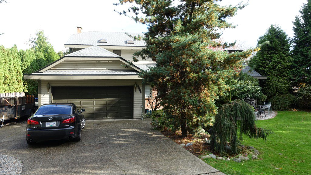 Main Photo: 9232 162A Street in Surrey: House for rent