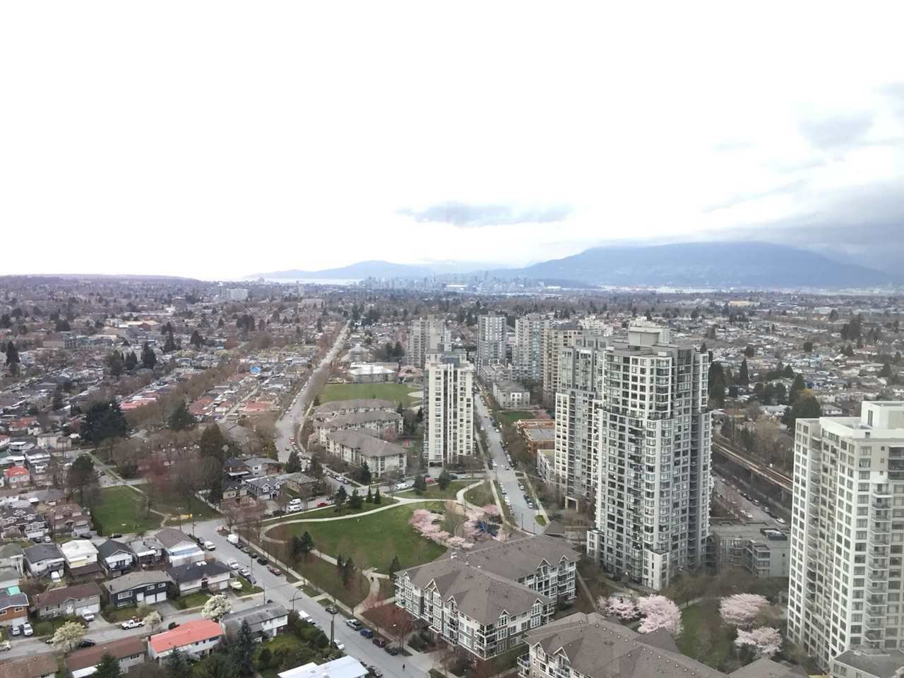 Main Photo: 3601 5665 BOUNDARY ROAD in Vancouver: Collingwood VE Condo for sale (Vancouver East)  : MLS®# R2253723