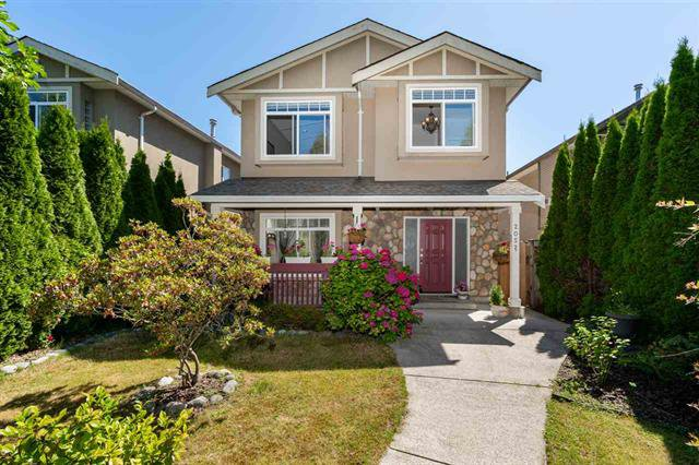 Main Photo: 2052 Jones Ave in North Vancouver: Central Lonsdale House for sale : MLS®# R2289398