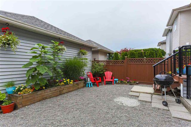 Photo 18: Photos: 16627 59A Avenue in Surrey: Cloverdale BC House for sale (Cloverdale)  : MLS®# R2287979