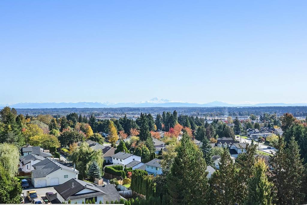 """Main Photo: 502 19228 64 Avenue in Surrey: Clayton Condo for sale in """"FOCAL POINT"""" (Cloverdale)  : MLS®# R2412836"""
