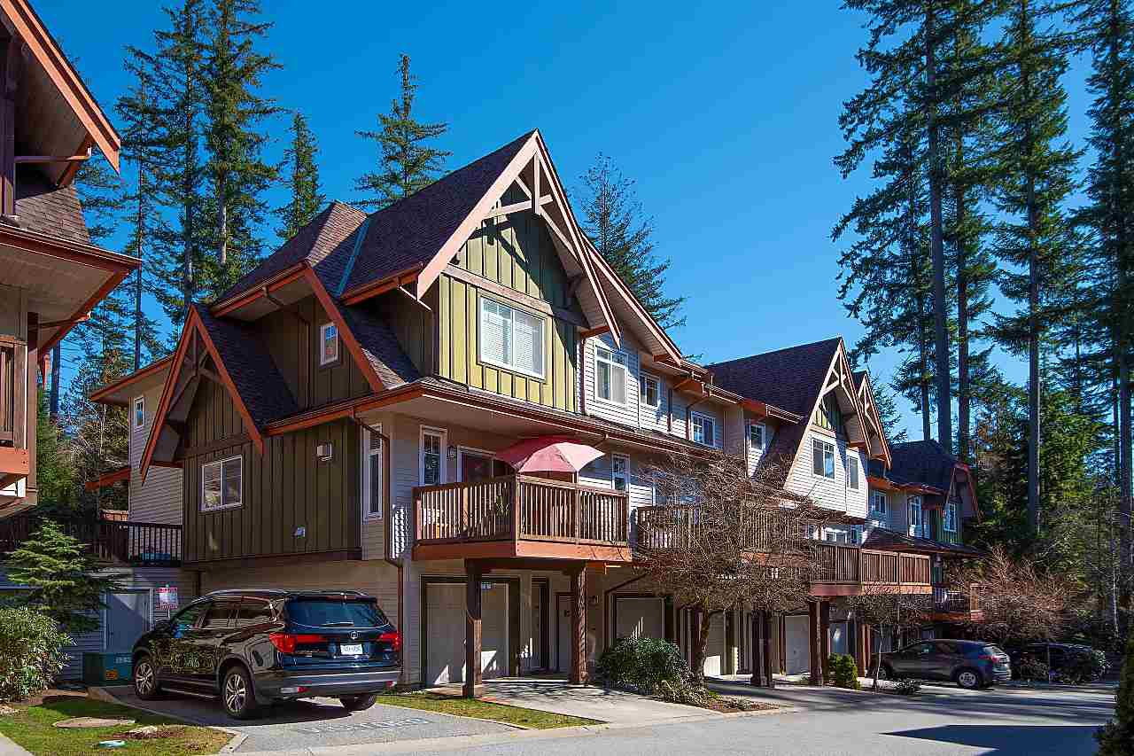 """Main Photo: 137 2000 PANORAMA Drive in Port Moody: Heritage Woods PM Townhouse for sale in """"MOUNTAINS EDGE"""" : MLS®# R2468201"""