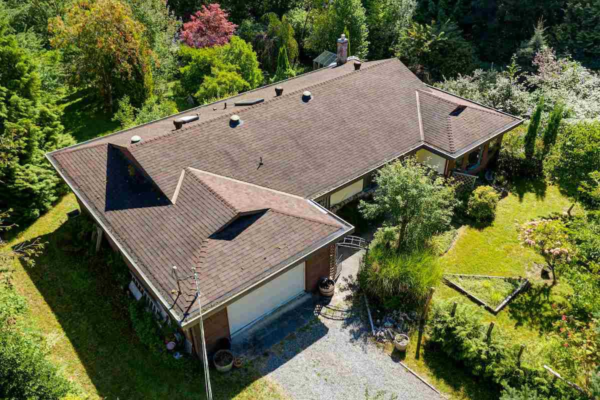 Main Photo: 834 PARK Road in Gibsons: Gibsons & Area House for sale (Sunshine Coast)  : MLS®# R2494965