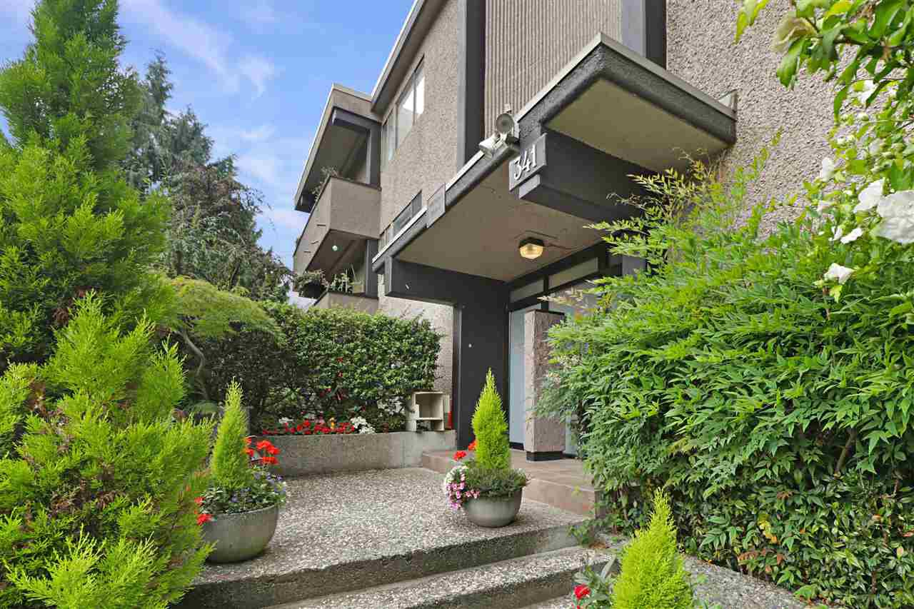 """Main Photo: 202 341 MAHON Avenue in North Vancouver: Lower Lonsdale Condo for sale in """"Wendrell Court"""" : MLS®# R2499031"""