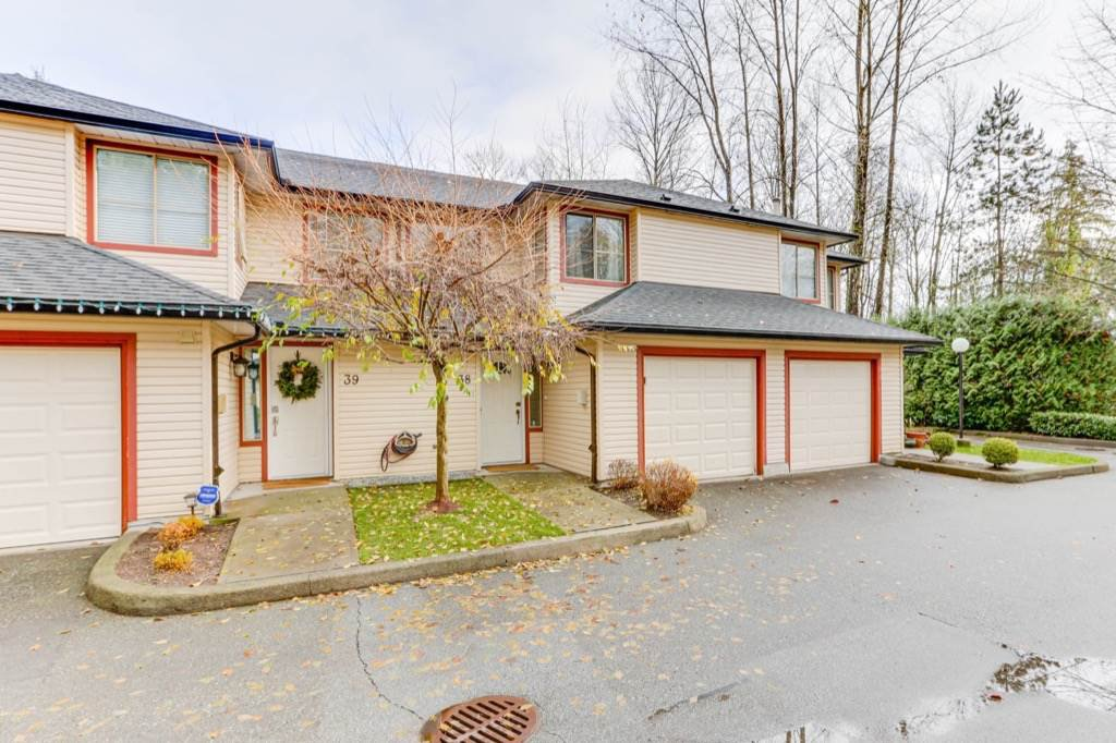 """Main Photo: 38 21960 RIVER Road in Maple Ridge: West Central Townhouse for sale in """"FOXBOROUGH HILLS"""" : MLS®# R2519895"""