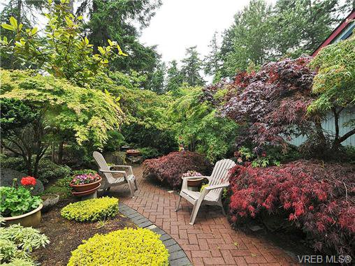 Photo 17: Photos: 970 WAGONWOOD Pl in VICTORIA: SE Broadmead Single Family Detached for sale (Saanich East)  : MLS®# 644448
