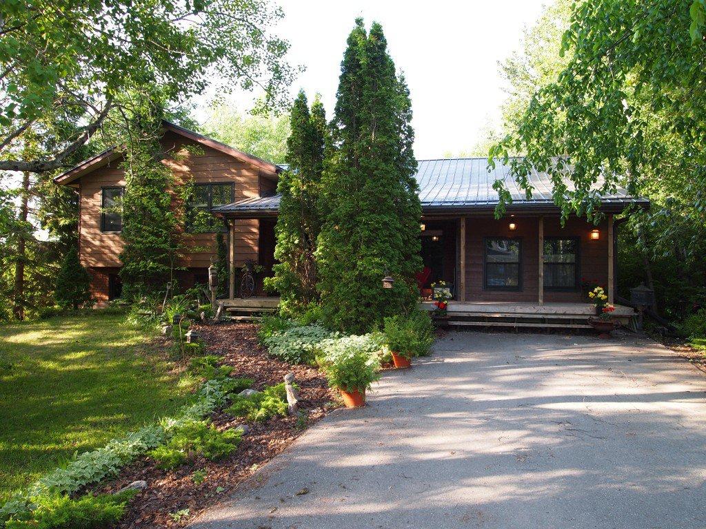 Main Photo: 8 Eldon Drive in Kawartha Lakes: Rural Eldon Freehold for sale : MLS®# X2937417