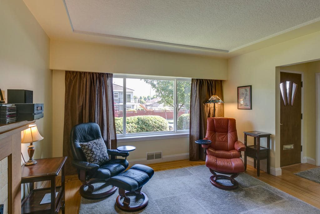 Photo 4: Photos: 4735 ROSS STREET in Vancouver: Knight House for sale (Vancouver East)  : MLS®# R2112979