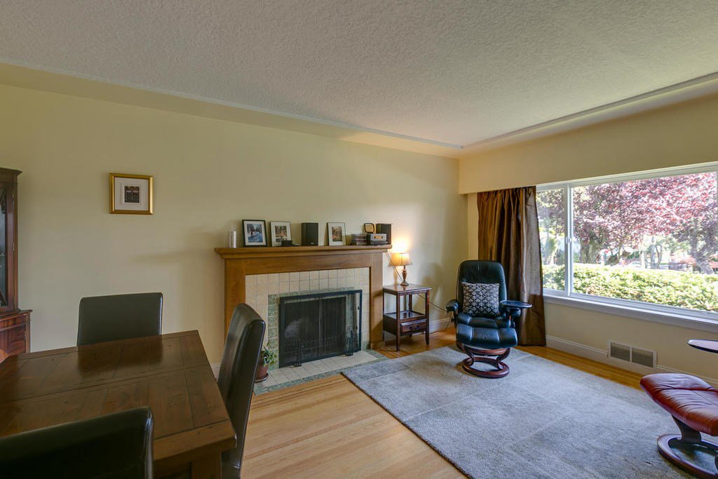 Photo 3: Photos: 4735 ROSS STREET in Vancouver: Knight House for sale (Vancouver East)  : MLS®# R2112979