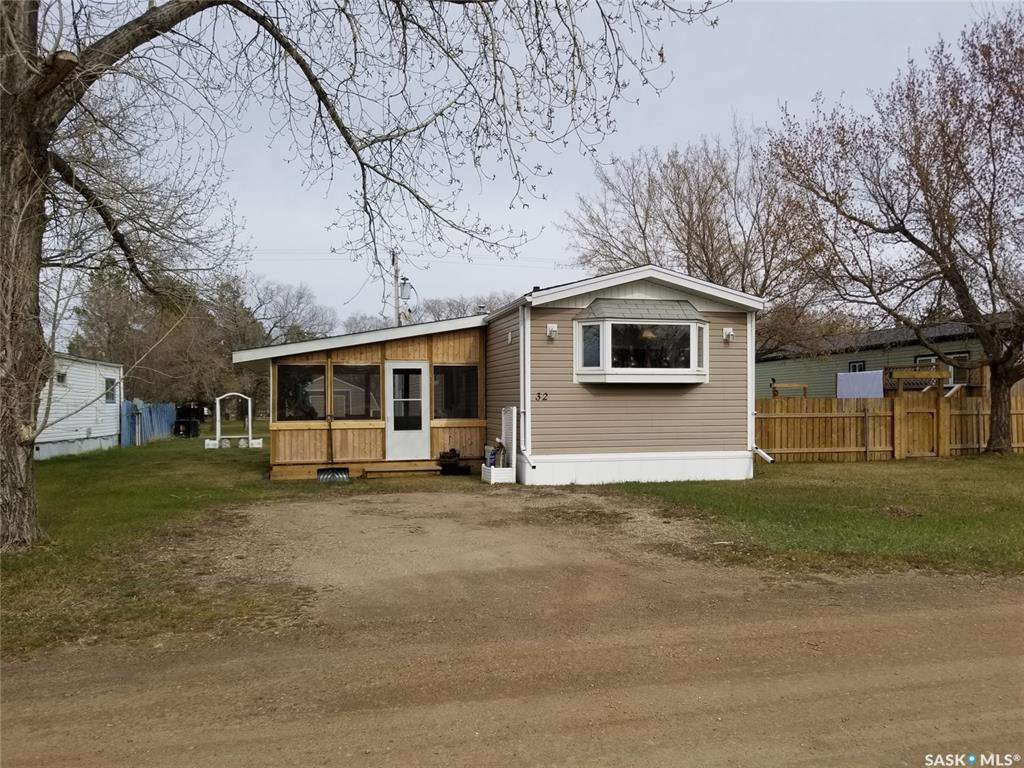 Main Photo: 32 Brentwood Trailer Court in Unity: Residential for sale : MLS®# SK837719