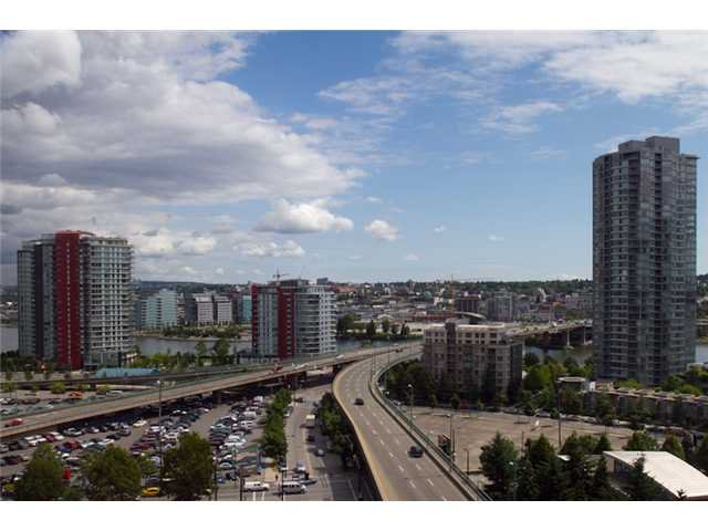 Photo 4: Photos: 989 Beatty Street in Vancouver: Yaletown Condo for rent (Vancouver West)