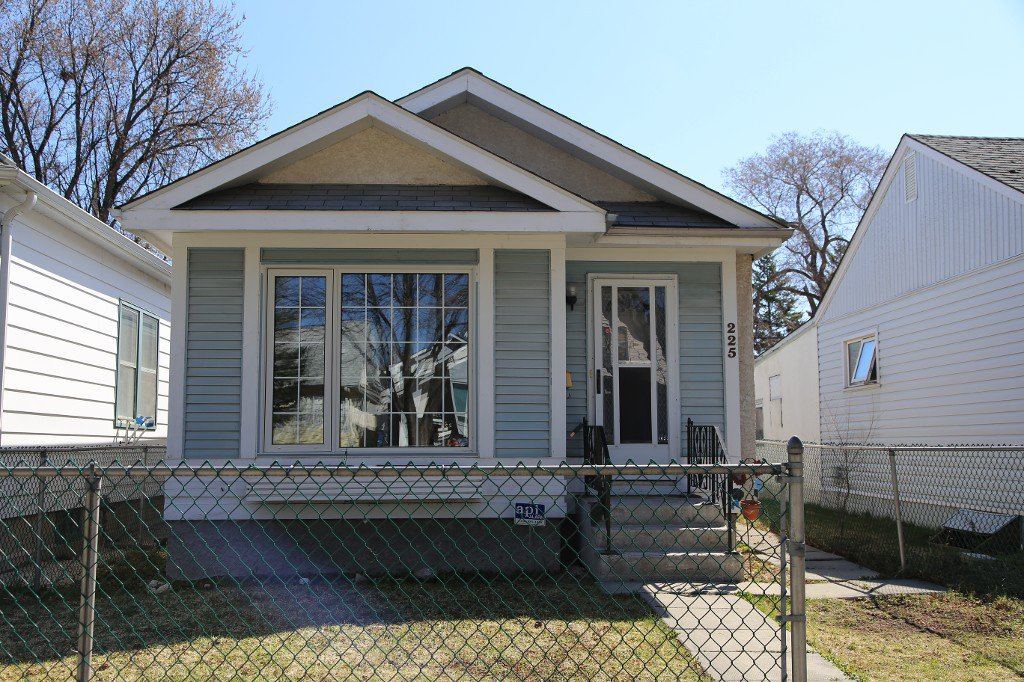 Photo 20: Photos: 225 Roseberry Street in Winnipeg: St. James Single Family Detached for sale (West Winnipeg)  : MLS®# 1611025