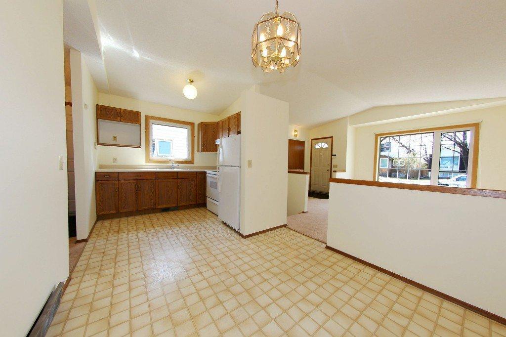 Photo 6: Photos: 225 Roseberry Street in Winnipeg: St. James Single Family Detached for sale (West Winnipeg)  : MLS®# 1611025