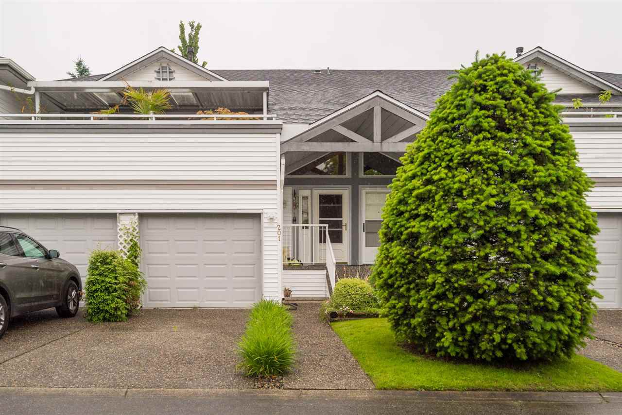 Main Photo: 201 13895 102 AVENUE in Surrey: Whalley Townhouse for sale (North Surrey)  : MLS®# R2178826