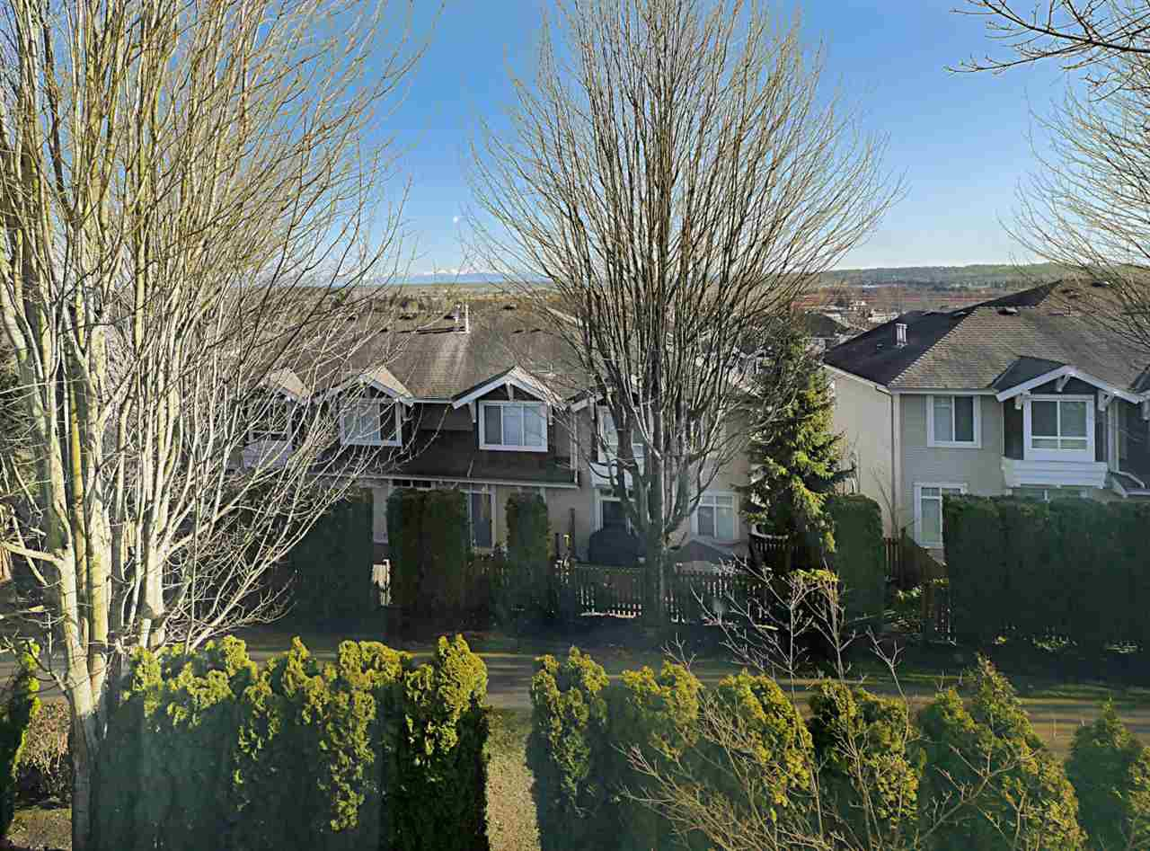 """Photo 10: Photos: 27 14952 58 Avenue in Surrey: Sullivan Station Townhouse for sale in """"HIGHBRAE"""" : MLS®# R2440469"""