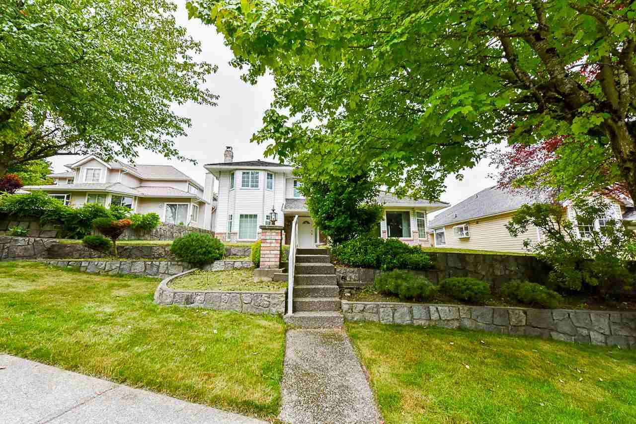 "Main Photo: 96 RICHMOND Street in New Westminster: Fraserview NW House for sale in ""GLENBROOK SOUTH - PEN PROPERTY"" : MLS®# R2468682"