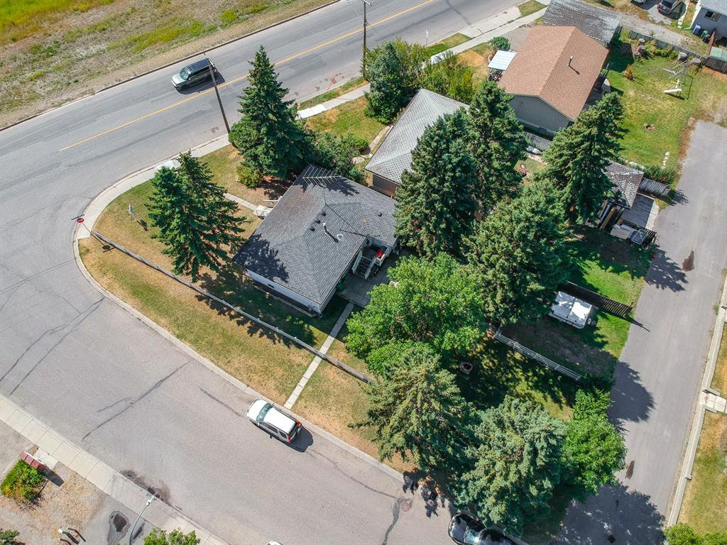 Photo 4: Photos: 138 N RAILWAY Street: Okotoks Detached for sale : MLS®# A1028664