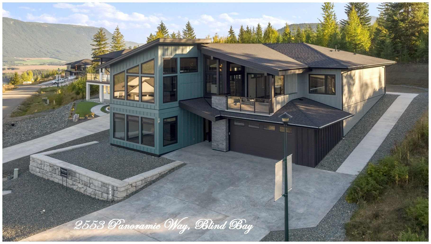 Main Photo: 2553 Panoramic Way in Blind Bay: Highlands House for sale : MLS®# 10217587