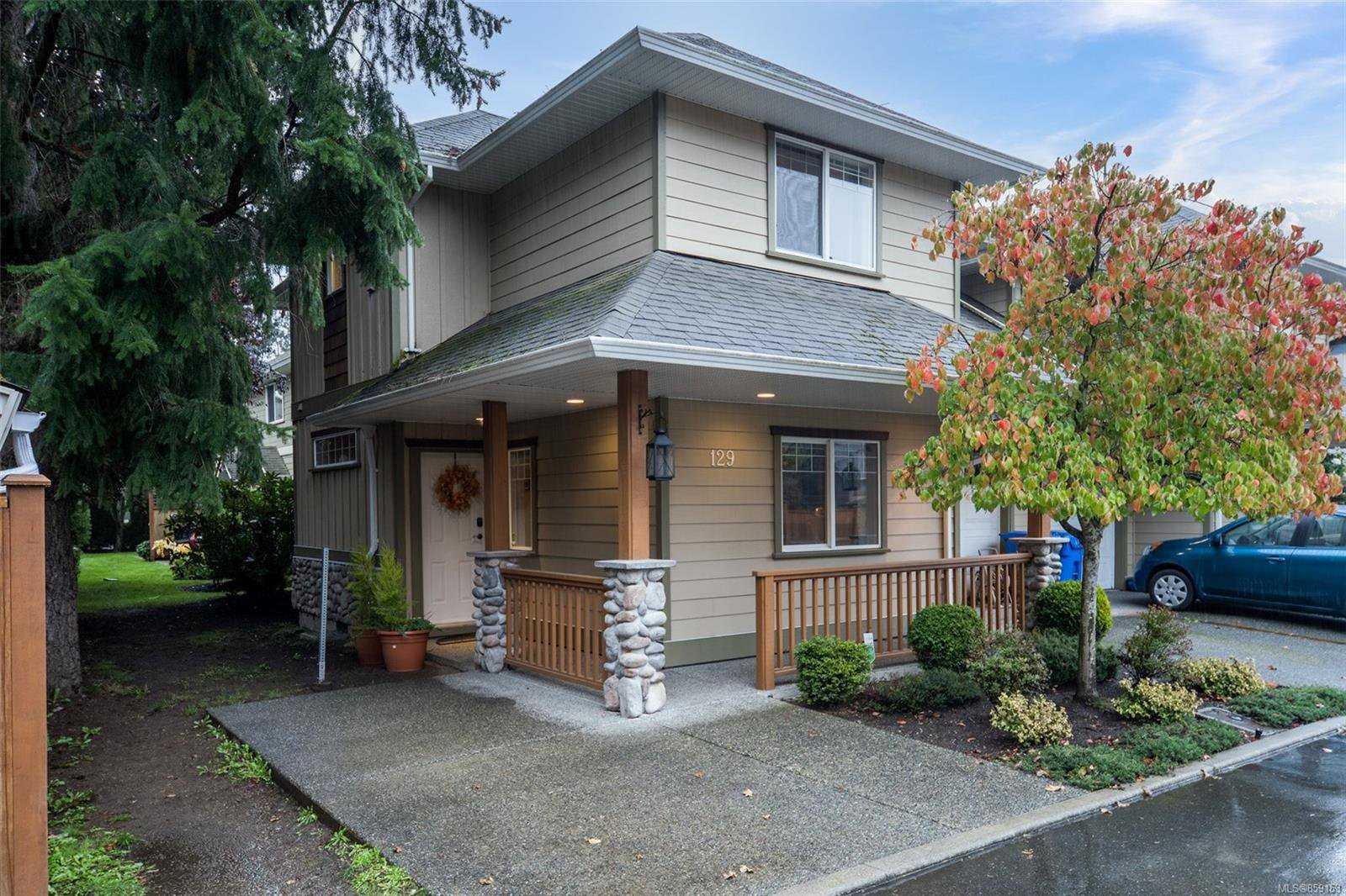 Main Photo: 129 951 Goldstream Ave in : La Langford Proper Row/Townhouse for sale (Langford)  : MLS®# 859153