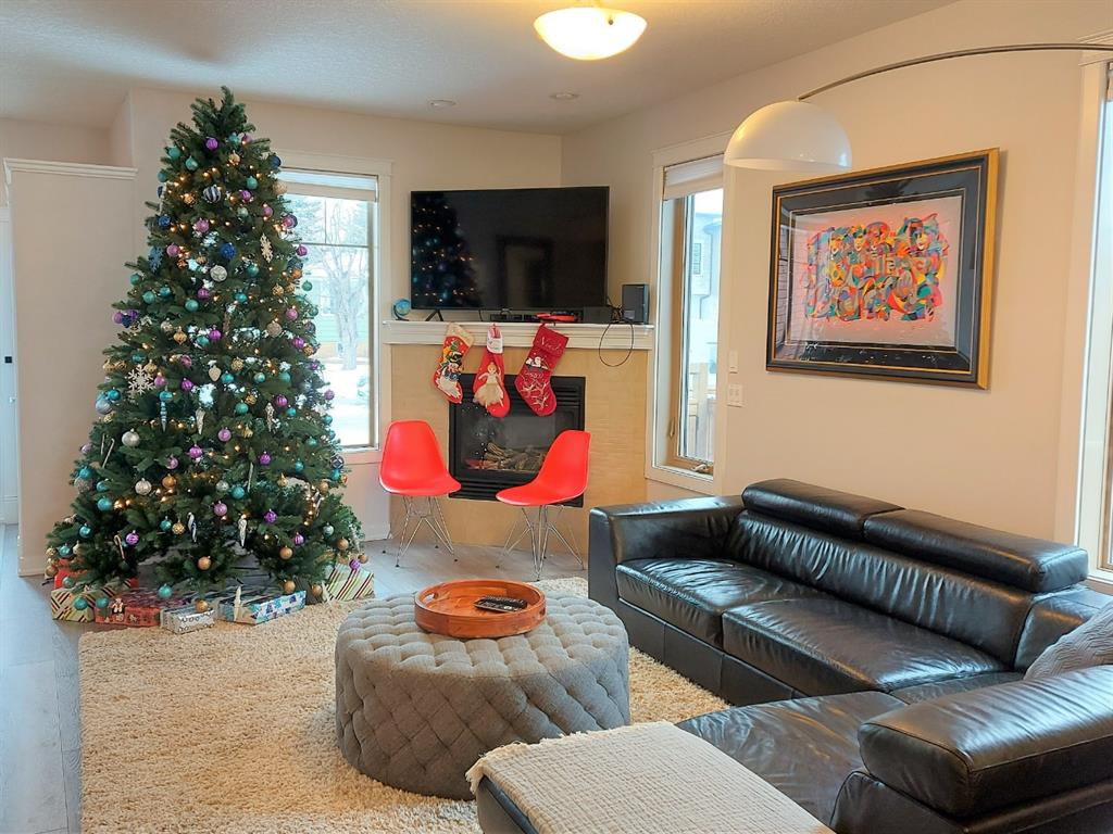 Main Photo: 3310 1 Street NW in Calgary: Highland Park Semi Detached for sale : MLS®# A1054858