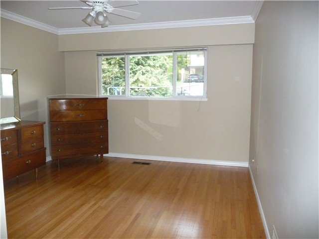 Photo 5: Photos: 4172 BOXER Street in Burnaby: South Slope House for sale (Burnaby South)  : MLS®# V930470