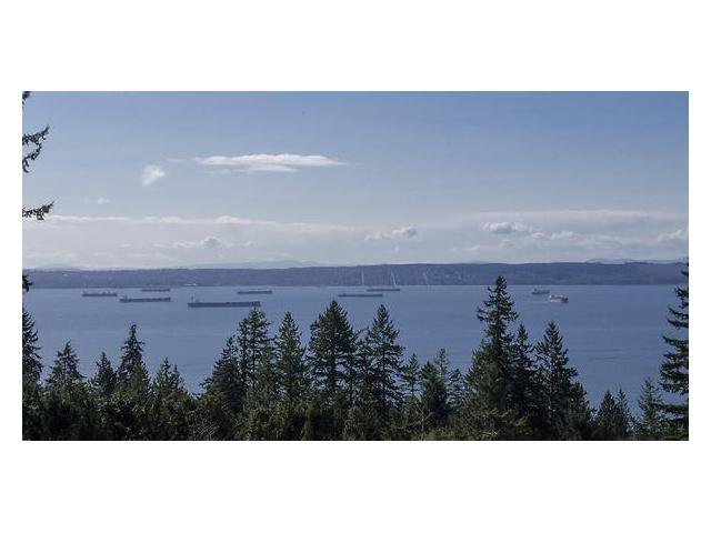 """Photo 1: Photos: 302 3105 DEER RIDGE Drive in West Vancouver: Deer Ridge WV Condo for sale in """"DEER RIDGE"""" : MLS®# V1026382"""