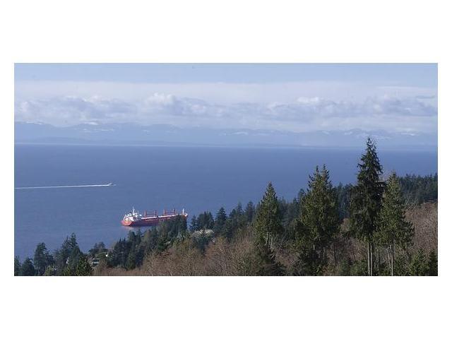 """Photo 2: Photos: 302 3105 DEER RIDGE Drive in West Vancouver: Deer Ridge WV Condo for sale in """"DEER RIDGE"""" : MLS®# V1026382"""
