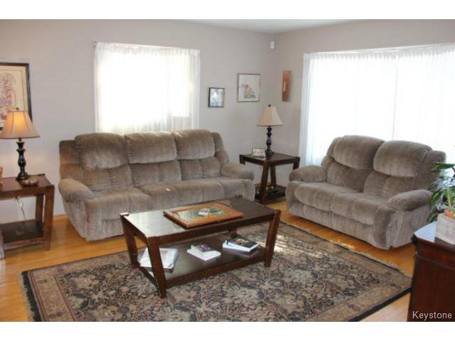 Photo 6: Photos: 779 Laxdal Road in WINNIPEG: Charleswood Residential for sale (South Winnipeg)  : MLS®# 1403542