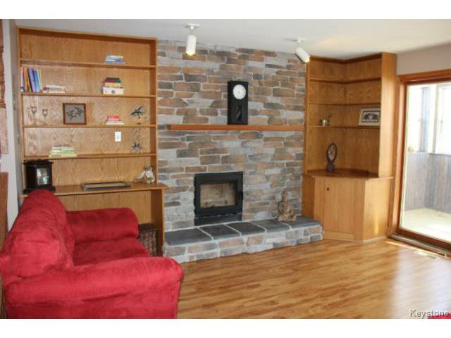 Photo 2: Photos: 779 Laxdal Road in WINNIPEG: Charleswood Residential for sale (South Winnipeg)  : MLS®# 1403542