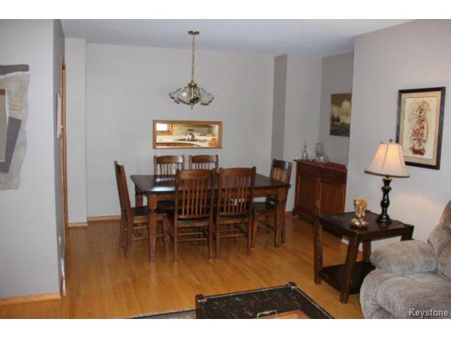 Photo 7: Photos: 779 Laxdal Road in WINNIPEG: Charleswood Residential for sale (South Winnipeg)  : MLS®# 1403542