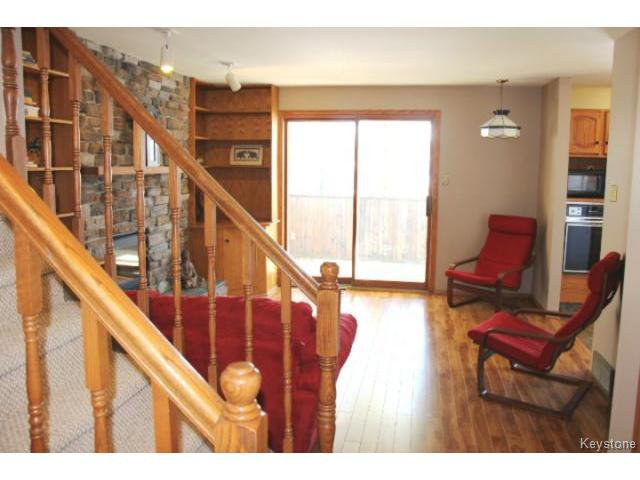 Photo 3: Photos: 779 Laxdal Road in WINNIPEG: Charleswood Residential for sale (South Winnipeg)  : MLS®# 1403542
