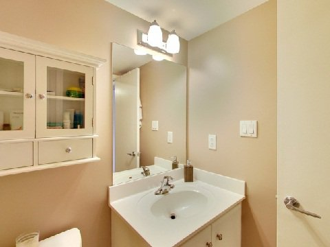 Photo 8: Photos: 21 12 Laidlaw Street in Toronto: South Parkdale Condo for lease (Toronto W01)  : MLS®# W2967093