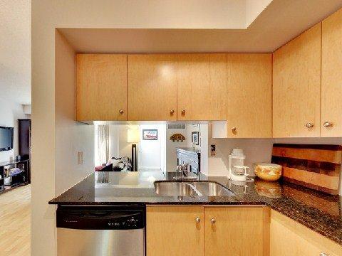 Photo 3: Photos: 21 12 Laidlaw Street in Toronto: South Parkdale Condo for lease (Toronto W01)  : MLS®# W2967093