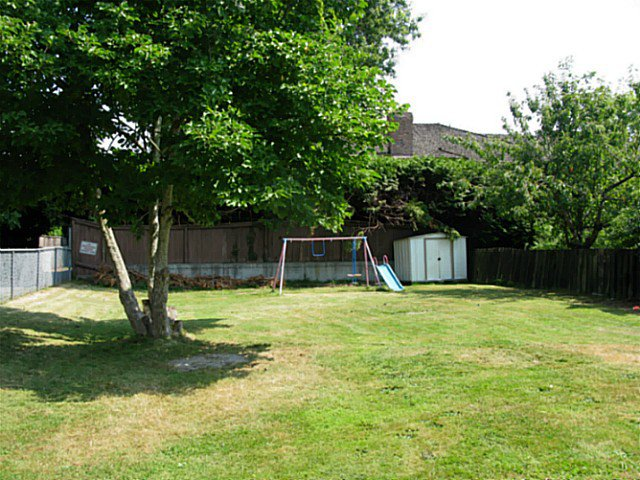 Photo 3: Photos: 9280 NO 3 RD in Richmond: Saunders 1/2 Duplex for sale : MLS®# V1128193