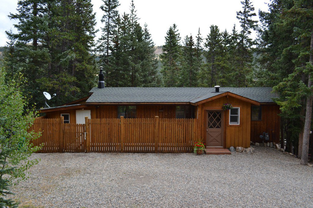 Main Photo: 809 Peterson Drive in Alma: House with Acreage for sale : MLS®# 9022959