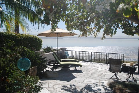 Main Photo: Townhome for sale : 3 bedrooms : 35 Aruba Bend in Coronado
