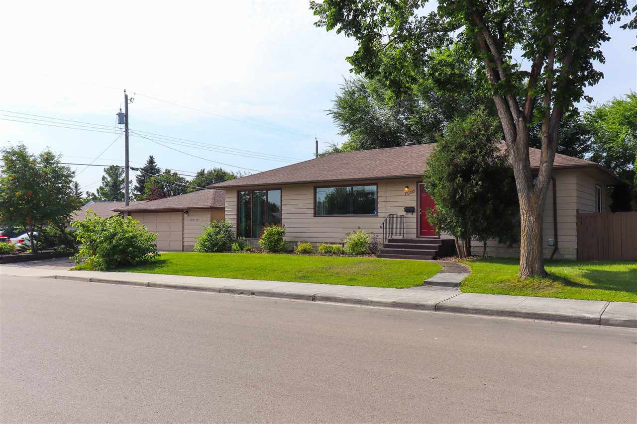 Main Photo: 7010 79 Street NW in Edmonton: Zone 17 House for sale : MLS®# E4170140