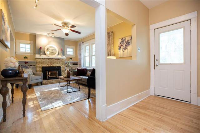 Photo 2: Photos: 333 Clare Avenue in Winnipeg: Riverview Residential for sale (1A)  : MLS®# 1926783