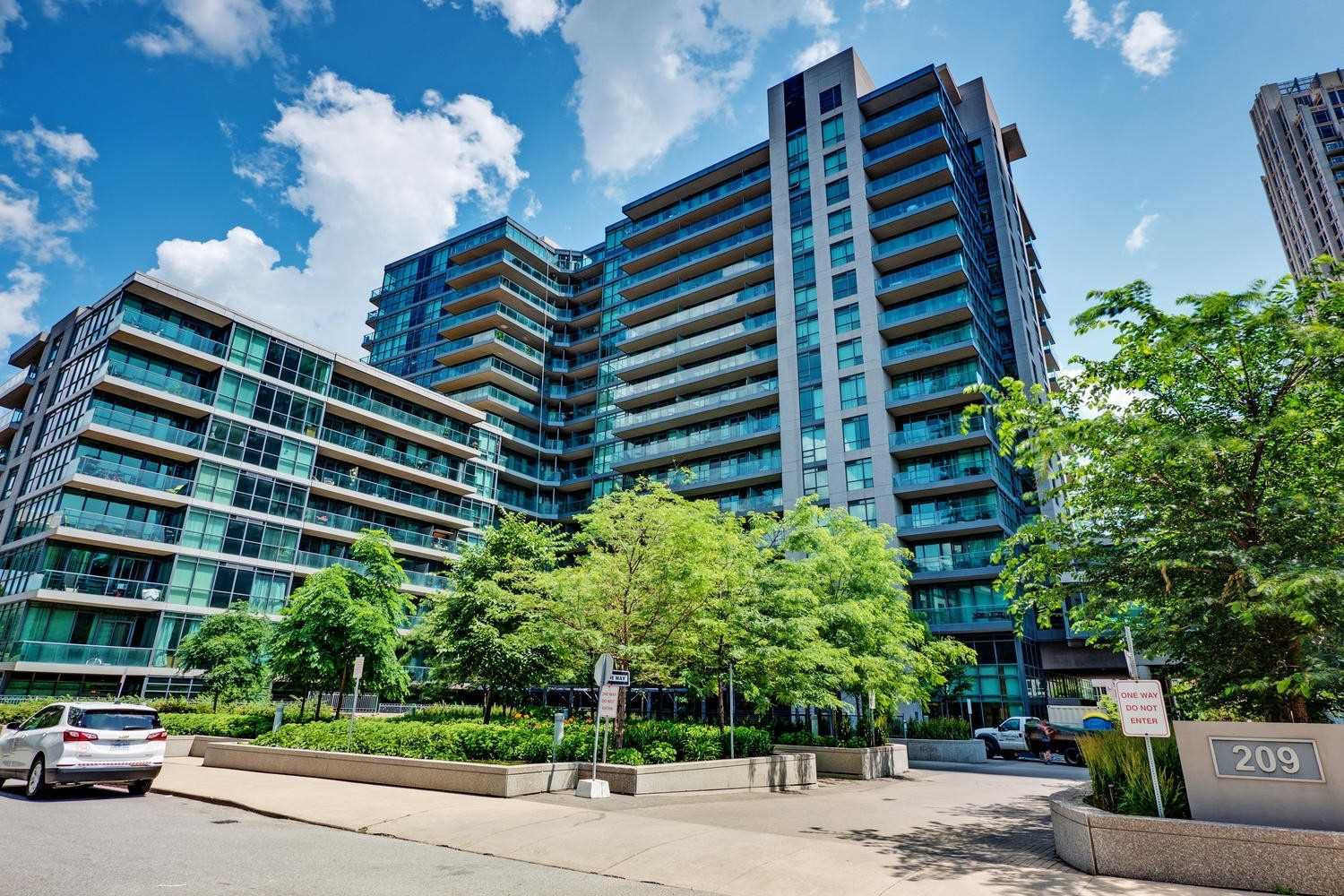 Main Photo: 974 209 Fort York Boulevard in Toronto: Waterfront Communities C1 Condo for sale (Toronto C01)  : MLS®# C4599668